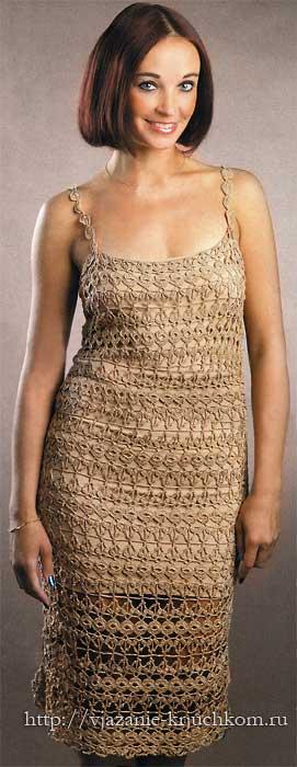 Вязаное платье из ажурных полос
